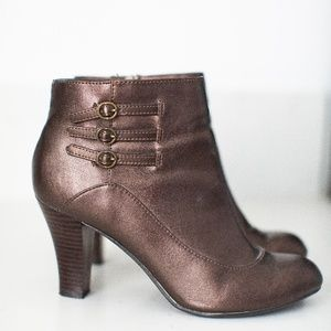 Predictions Bronze Brown Heeled Bootie Size: 9